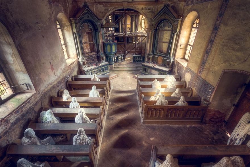 Заброшенная церковь в Чехии.