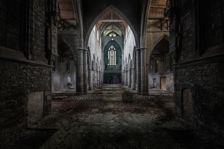Заброшенная церковь в Бельгии.