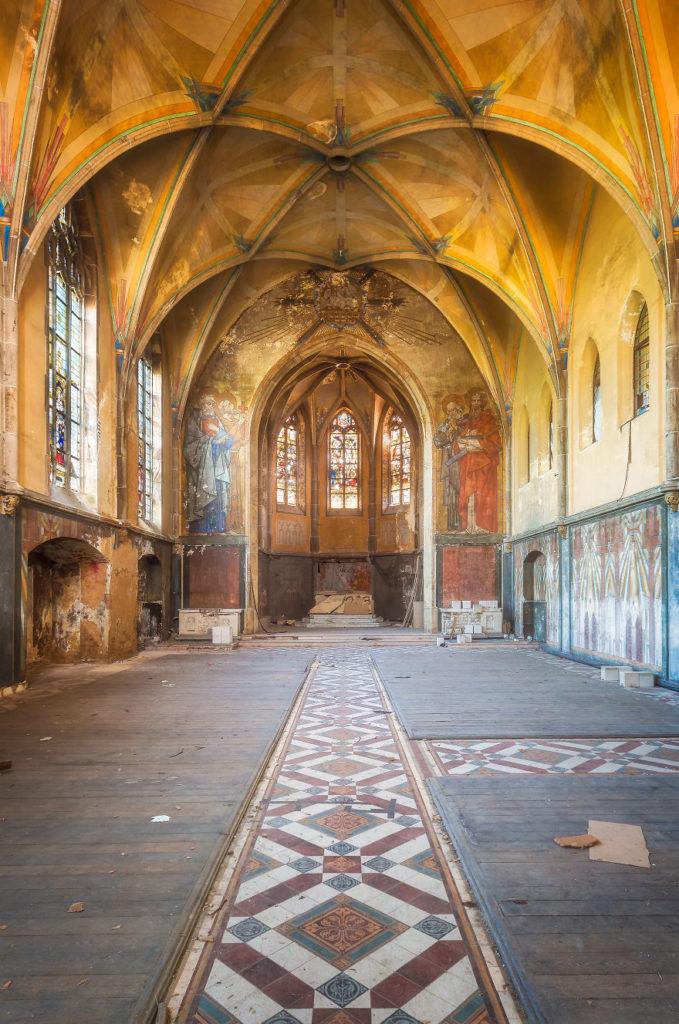 Заброшенная церковь в Германии.