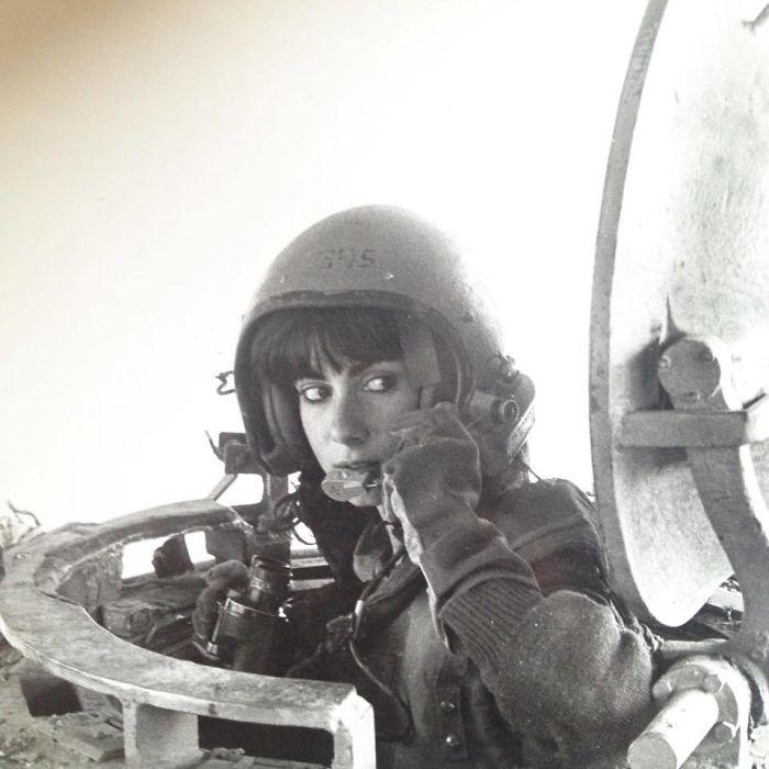 Моя мама, когда она была инструктором в танковых войсках в 1984