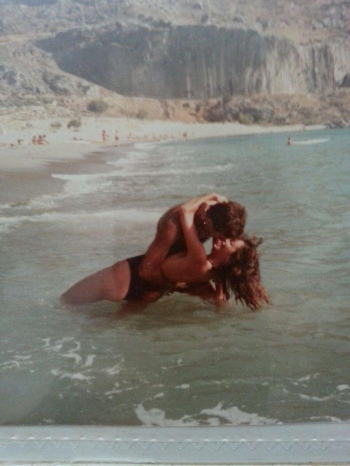 Мы родители на острове Санторини в Греции в 1985