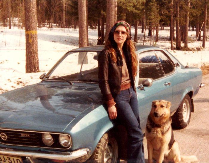 Моя мама и ее немецкая овчарка Манта в 70-х