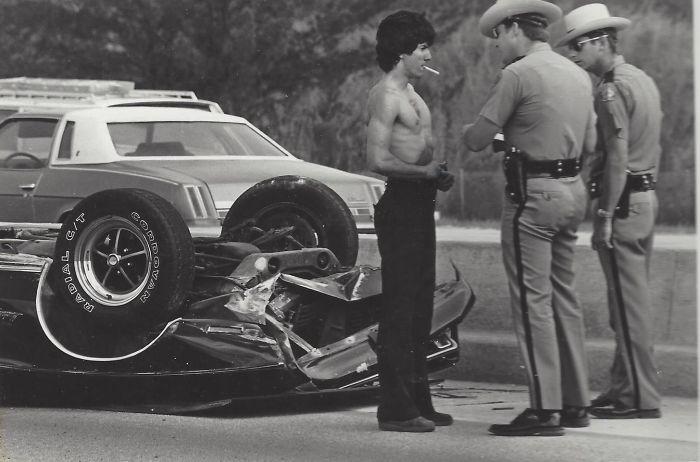 Отец мой девушки и его Mustang 73 года после аварии на шоссе