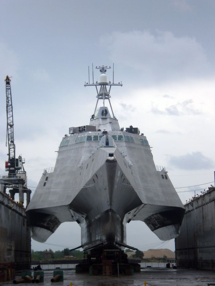 №8 Так выглядит подводная часть самого современного военного корабля.