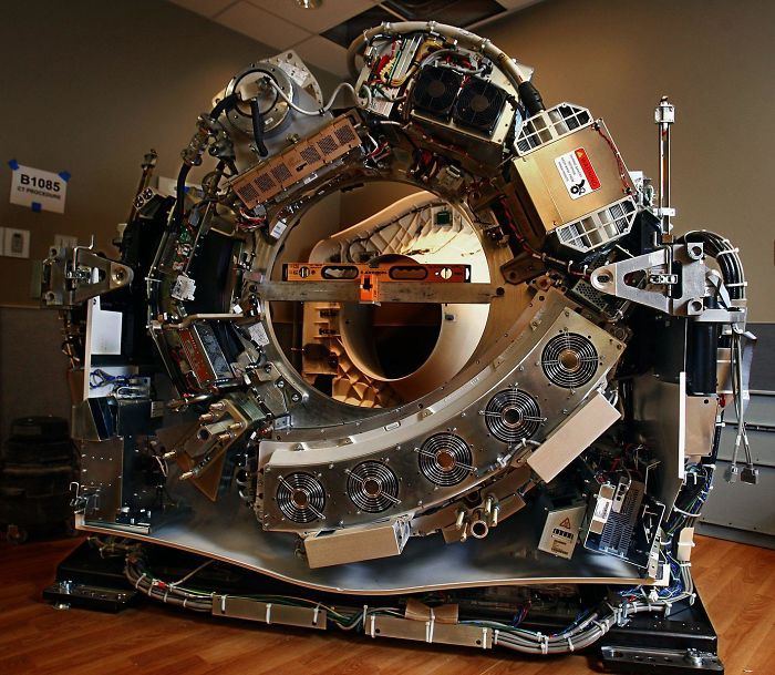 №14 Компьютерный томограф изнутри.