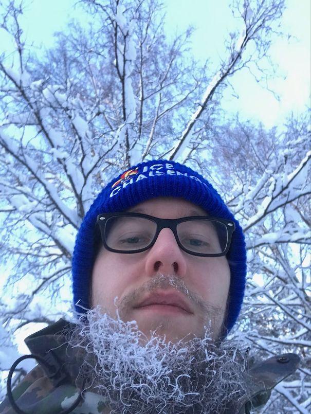 №1 Моя борода замерзла, пока я ждал автобус