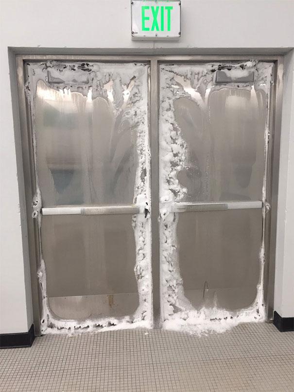 №48 За этими дверями полярный вихрь